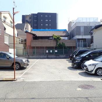 こちらがその駐車場ですね。