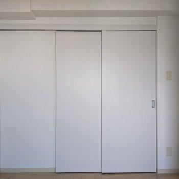 【4.65帖洋室】続きましてお隣のお部屋のご紹介。