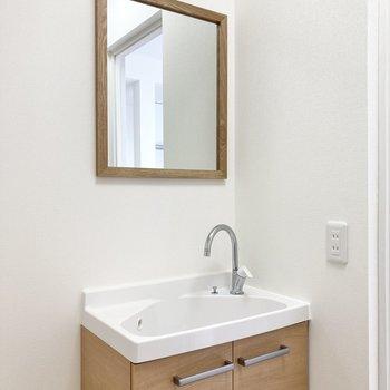 洗面台もかわいいデザインです。