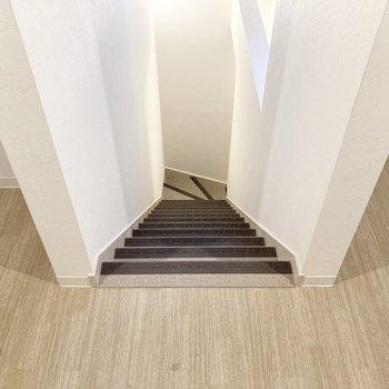 階段幅は内覧時にもご確認くださいね。