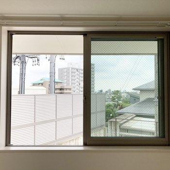リビングにある窓。