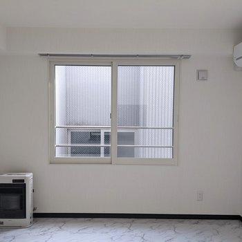 【LDK】窓は南向きです。