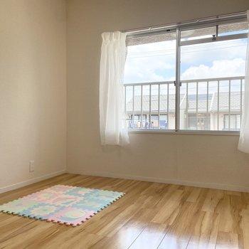 【洋室3】玄関から入って一番奥のお部屋です。※家具はサンプルです