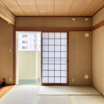 そして6帖の和室。障子もあって、落ち着いた雰囲気がまた良いですね!