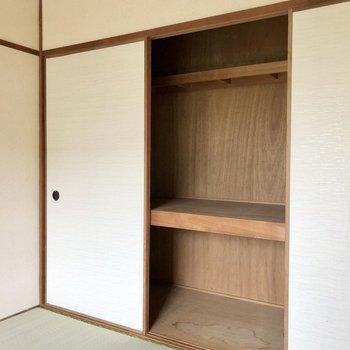 棚やケースなど置いて収納しやすいようにしたいです。