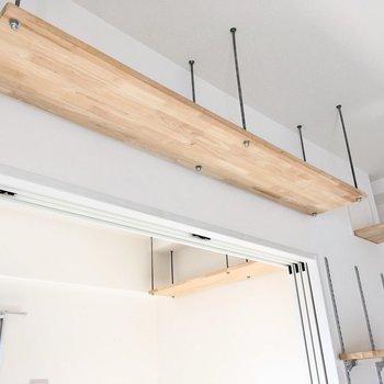 天井をとことこ歩く猫ちゃんを想像すると、キュンとします。(※写真は8階の同間取り別部屋のものです)