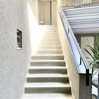階段の幅は広めです。