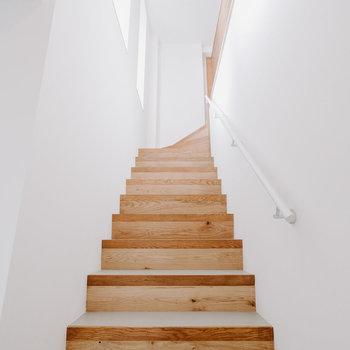 【階段】のぼって行きましょう!