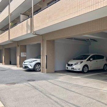敷地内駐車場にも空きがありますよ!