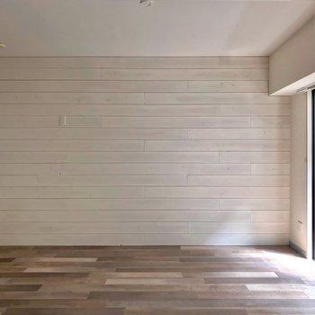 小さめの家具ならお食事スペースと寛ぎスペースで分けることもできるかな。