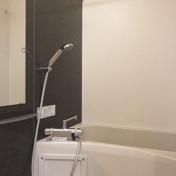 浴室乾燥機もついています♩※写真は5階の同間取り別部屋のものです