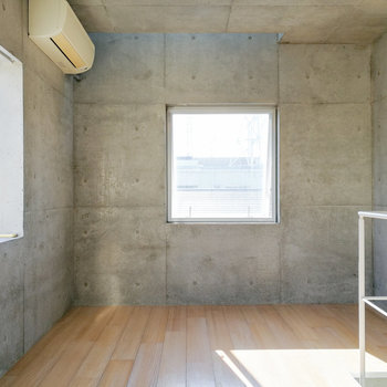 上階にはやわらかい雰囲気をプラス。※写真は2階の同間取り別部屋のものです