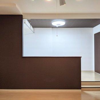 【LDK】洋室との間には扉はありません。
