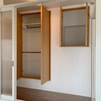 そしてここにも収納が。部屋の中にいくつもあるって便利〜!(※写真は8階の同間取り別部屋のものです)