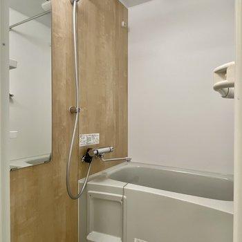 雨の日に嬉しい浴室乾燥機付きです。