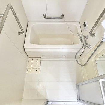 お風呂にはうれしい追い焚き機能付き。