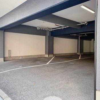 駐輪場は屋根の下に。これなら雨の日でも安心◯