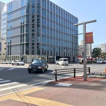住吉通りも近く。博多駅や薬院方面へもスイスイ行けますよ!