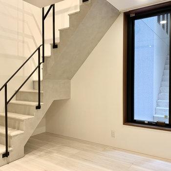 階段が絵になりますね。