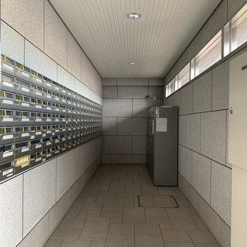 【共用部】郵便ポストはこちらになります