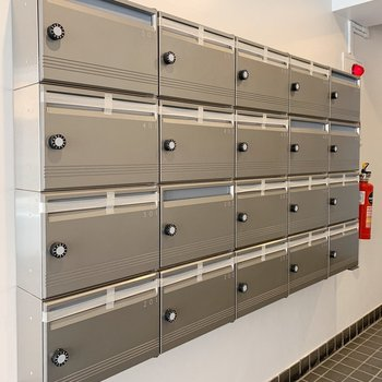 ポストは大きめなので、大切な郵便物が溢れちゃうこともなさそう。
