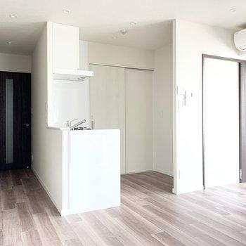 【LDK】ナチュラルな内装です。木製の家具が合いそう!