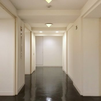19階以上のお部屋はエレベータを3基使うことができます。