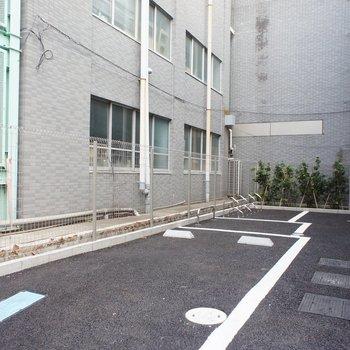 駐車場まで。