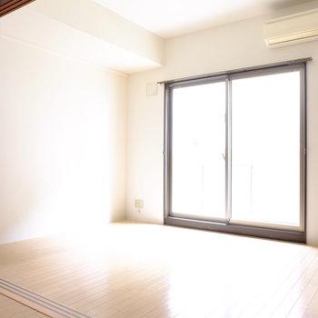 6帖の寝室です。(※写真は2階の同間取り別部屋のものです)