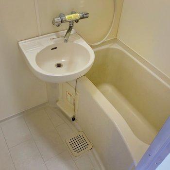 2点ユニットです。オール電化なのでシャワーは1日1回までで!
