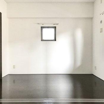 お隣の洋室は4.3帖
