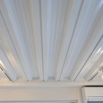 この天井がお気に入り…!(※写真は1階の同間取り別部屋のものです)