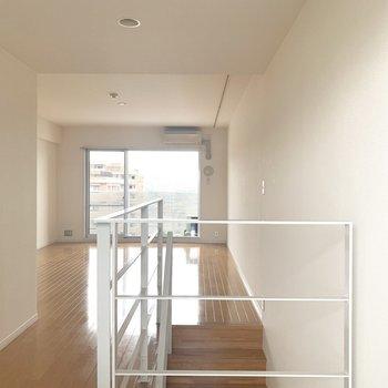 玄関開けたらこの景色。(※写真は7階の反転間取り別部屋のものです)