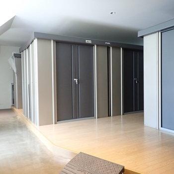 【共用部】1階にはトランクルームがあります。
