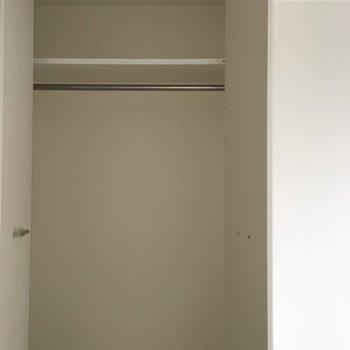 収納は縦長さん。(※写真は10階の同間取り別部屋のものです)