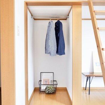 クローゼットはオープンな作り。魅せる収納を心がけましょう。