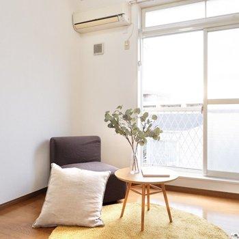 西からの柔らかな日差しがお部屋を照らします。