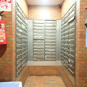 【共用部】メールボックスは1階に。