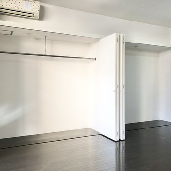 頼もしい大容量サイズの収納でした◯高さもあるのでケース使いもおすすめ。(※写真は2階の反転間取り、別部屋のものです)