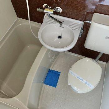 浴室は3点ユニット。お掃除はまるっとね!