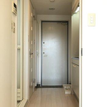 玄関まわりへ※写真は3階の同間取り別部屋のものです