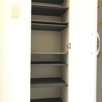 くつ以外にも入れられそう※写真は3階の同間取り別部屋のものです