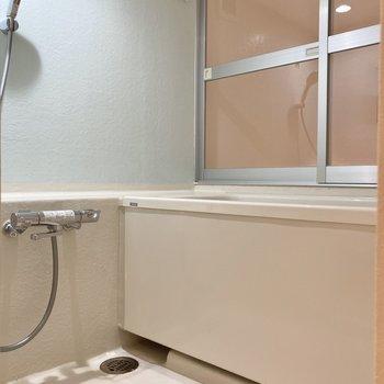 続いて気になる水回り。バスルームはシンプル!