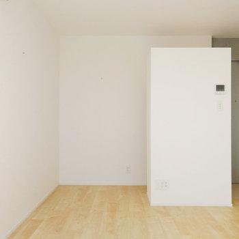 こちらは収納エリア。※写真は8階の同間取り別部屋のものです