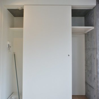 収納は結構入りそう。※写真は5階の同間取り別部屋のものです