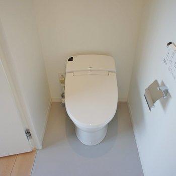 トイレ!!つまり。。※写真は5階の同間取り別部屋のものです
