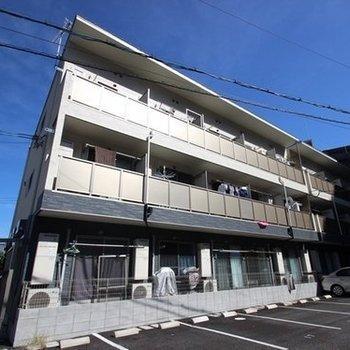 3階建のアパートの1室です。