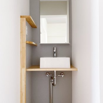 シンプルながらもスタイリッシュな洗面台◯可愛い…。