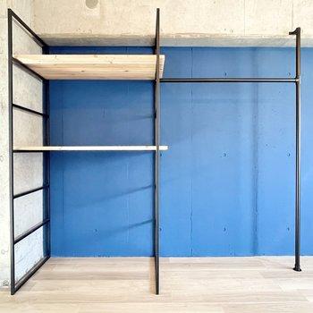 収納はオープンタイプ。棚板を足して収納力をあげてくださいね。