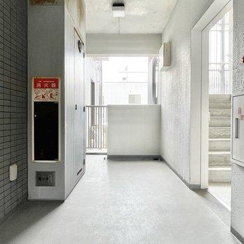 【共用部】ほぼ内廊下で雨に濡れることもなさそう。